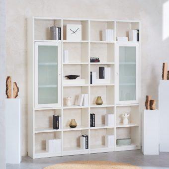 1_Regalwand-in-Weiss-lackiert-mit-2-Rahmenglastueren-Mattglas-ueber-jeweils-3-Faecher