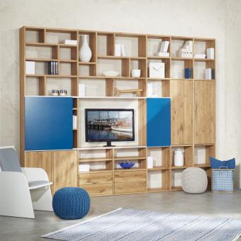 1_Sonderanfertigung-Regalwand-in-Wildeiche-Massivholz-Premium-mit-unterschiedlichen-Faechergroessen-Schiebeelement-Tueren-und-Schubladen