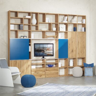 Sonderanfertigung - Regalwand in Wildeiche Massivholz Premium mit unterschiedlichen Fächergrößen, Schiebeelement, Türen und Schubladen